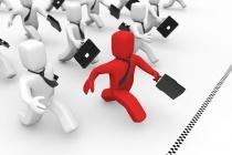 Сотрудники со стажем в компании более 2 лет зарабатывают на 50% меньше