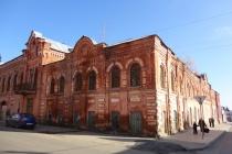 Из-за недобросовестного арендатора историческое здание табачной Елецкой фабрики оказалось под угрозой разрушения