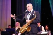 Врио главы Липецкой области Игорь Артамонов «променял» губернаторское кресло на саксофон