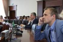 Неизвестные на чёрном джипе преследуют липецкого депутата-коммуниста Николая Быковских