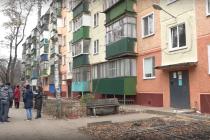 Жители Липецка дышат канализационными стоками и борются в своих квартирах с насекомыми
