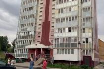 Переехавшие из аварийного жилья в комфортабельную елецкую многоэтажку «плавают» в канализационных стоках
