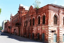 Липецкое Росимущество добилось выселения арендатора из старинного здания Елецкой табачной фабрики