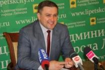 Глава Липецка Сергей Иванов вернул себе третье место в популярном рейтинге благодаря любви к благоустройству
