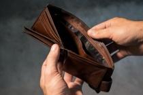 Зарплата на липецких предприятиях оказалась далека до среднеобластного уровня
