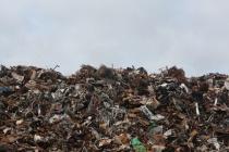 Липецкие власти пообещали закрыть зловонный мусорный полигон в районе Косыревки в 2021 году