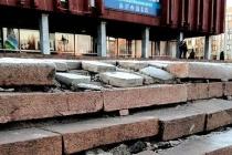 Липецкий коммунист ужаснулся разрухе переданного на баланс региона дворца молодёжи