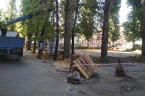 Во дворе дома по улице Скороходова сравняли с землей хоккейную коробку для строительства парковки?