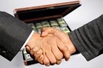 Конфликт с дольщиками вынудил депутата липецкого облсовета Михаила Захарова к продаже активов ГК «СУ-5»