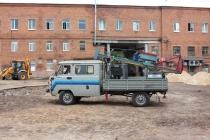 Липецкий завод малых коммунальных машин запустил в производство автомобиль со сваевдавливающим оборудованием