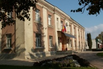 Неудавшуюся аферу замглавы Тербунского района Сергея Карпова «расхлебывают» его коллеги?
