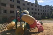 Жители липецкого района Тракторный пожаловались прокурору на антисанитарию и лежбища бомжей