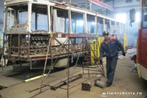 Пока в липецкой мэрии ждут кредит от Всемирного банка, МУП «Липецкпассажиртранс» ремонтирует старые трамваи