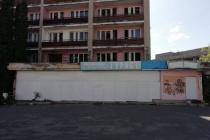 В Липецке заблокировали вход в гостиницу «Турист»