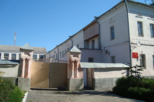 Липецкие власти пытаются за 15 млн рублей продать историческое здание XVIII века – тюремный замок
