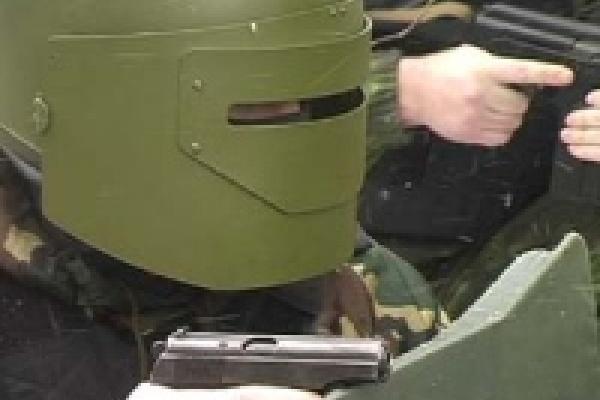 В Липецке милицейский спецназ нашел в машине гранаты