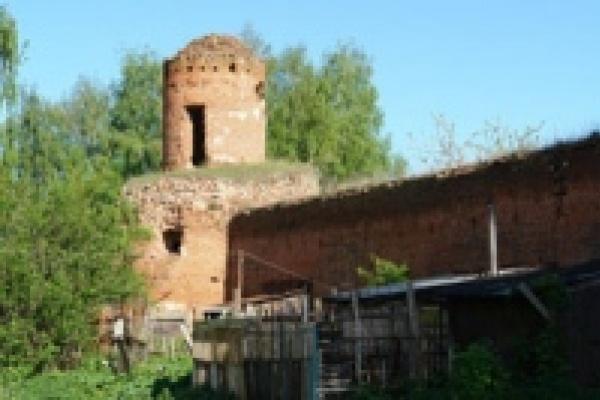 В Липецкой области коммунисты с помощью милиции сорвали со стены монастыря мемориальную доску