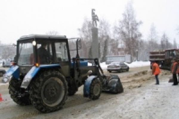 На улицы Липецка насыпали более тонны песка и соли
