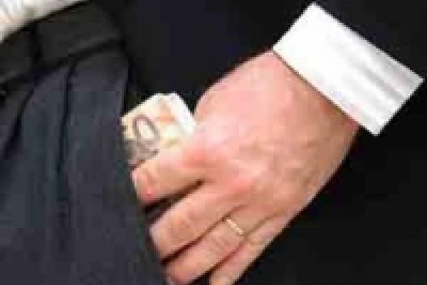Более тысячи нарушений антикоррупционного законодательства