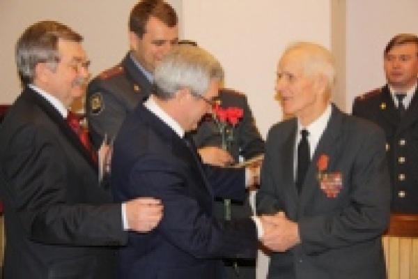 Ветераны МВД получили медали