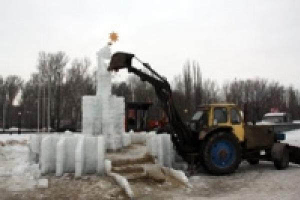 Мороз и Снегурка попали под грейдер