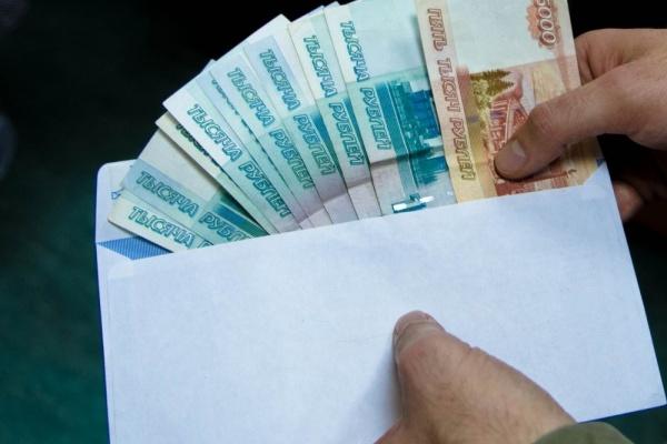 В Липецкой области за взятку будут судить бывшую сотрудницу миграционной службы