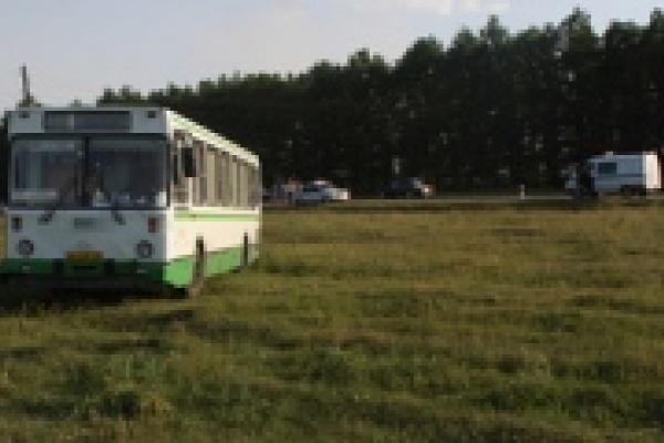 На окраине Липецка автобус попал в аварию