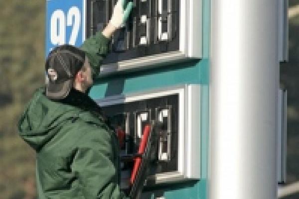 В Липецке бензин дешевле, чем в Воронеже