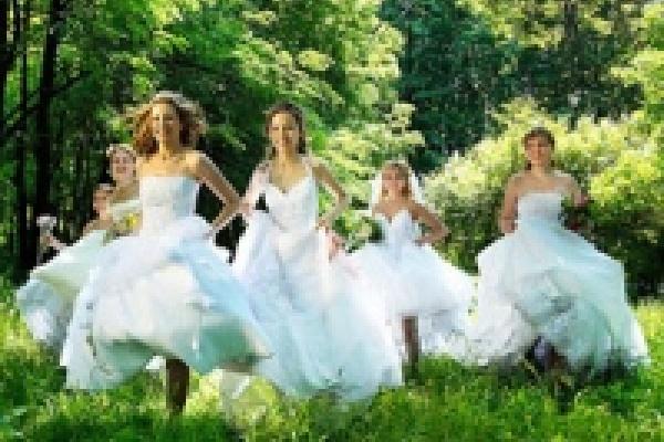 В Липецке возле памятника Петру Великому будут бегать невесты