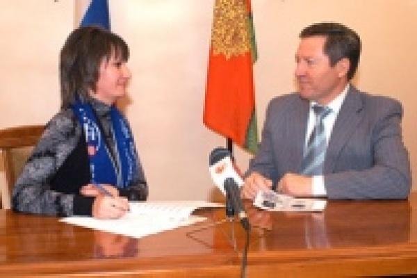 Переписчиков охраняет милиция, а губернатор ответил на вопросы