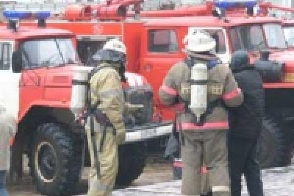 Загоревшийся на кухне мусор привел к пожару