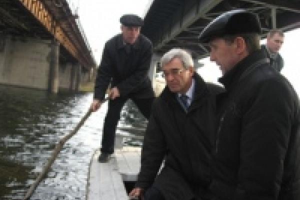 В Липецке начался ремонт Петровского моста