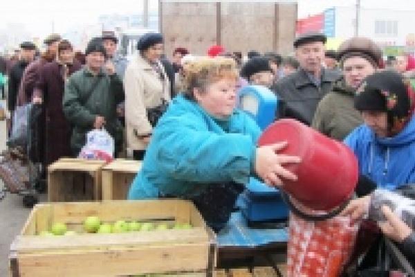 Депутаты горсовета намерены разобраться со стихийной торговлей на улицах Липецка