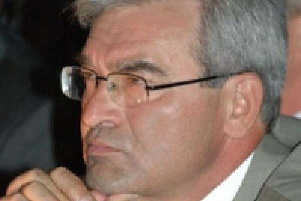 Мэр Липецка передал медикам служебные автомобили городских чиновников
