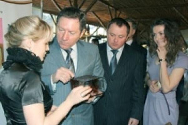 Депутат Елена Бочерова провела презентацию молодежных бизнес-проектов