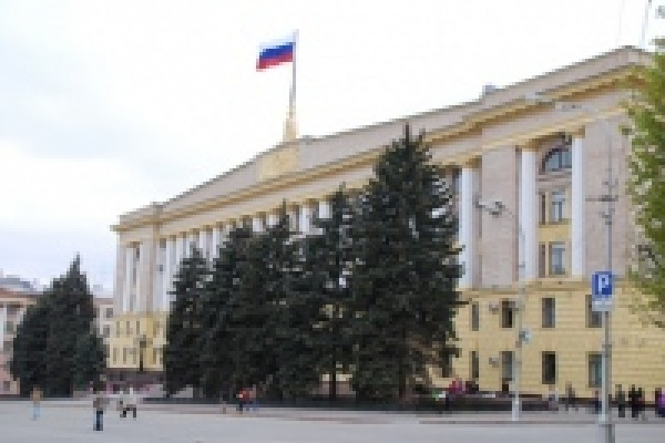 Почетным гражданам Липецкой области будут ежемесячно выплачивать 10 тыс. рублей