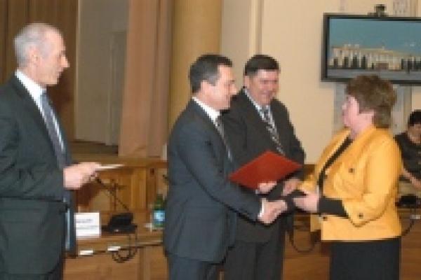 В Липецке наградили победителей конкурса коллективных договоров