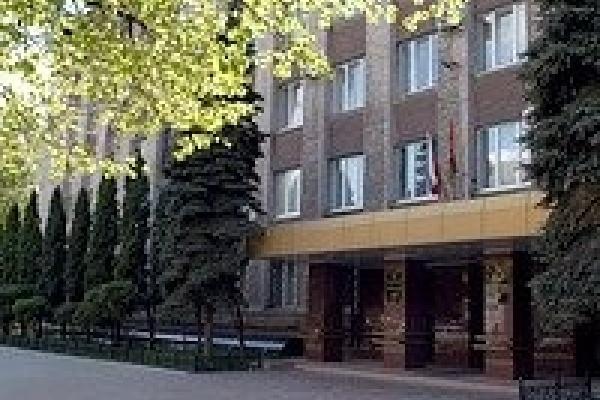 Главный врач санатория переделал общежитие в квартиру для своей жены