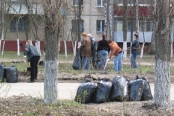 Липчане продолжают наводить чистоту в городских парках и зонах отдыха