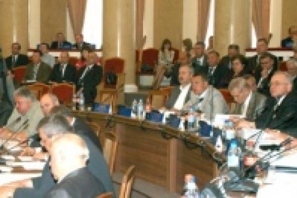 Депутаты поддержали инициативу Олега Королева о введении прогрессивной шкалы налога на доходы физических лиц