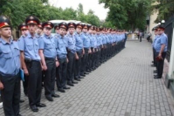 Из Липецка в Санкт-Петербург уехал большой отряд полиции