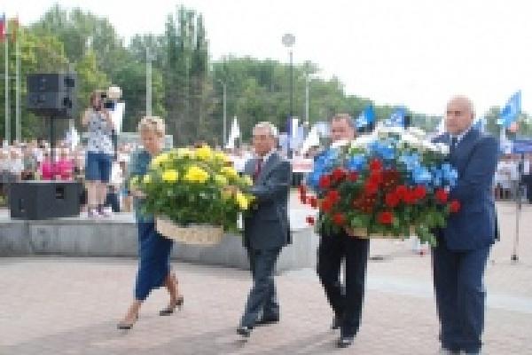Народный фронт вышел на главную площадь Липецка