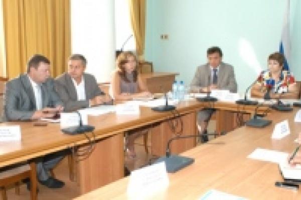 Администрация области будет взаимодействовать с Ассоциацией страховых и кредитных организаций