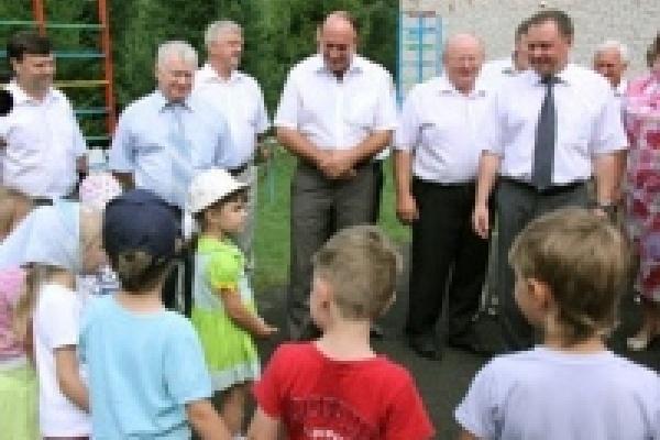 Павел Путилин: Родители, которые не могут устроить ребенка в детский сад, должны подать заявление на получение субсидий