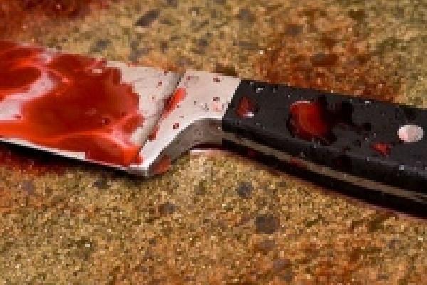 В Политотделе муж поднял на жену руку и нож