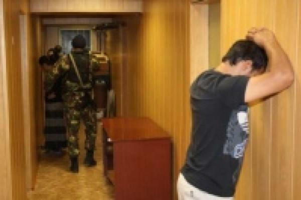 В Липецке арестовали 10 «черных риэлетров»