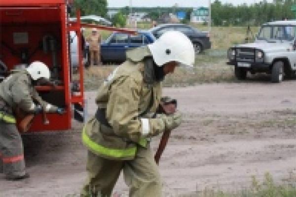 Пожарный спас женщину