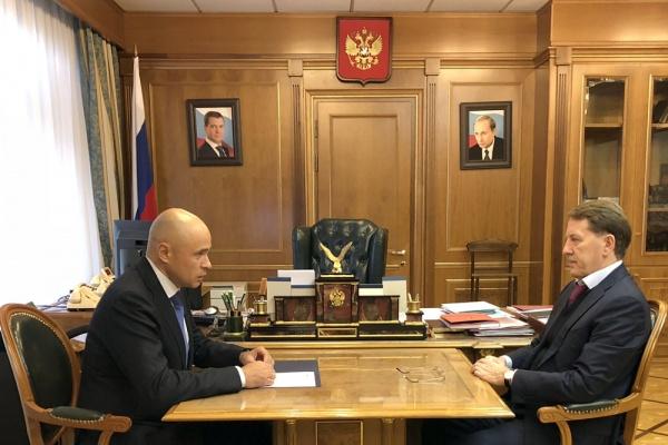 Липецкий губернатор фактически отчитался за заслуги Олега Королева перед Алексеем Гордеевым