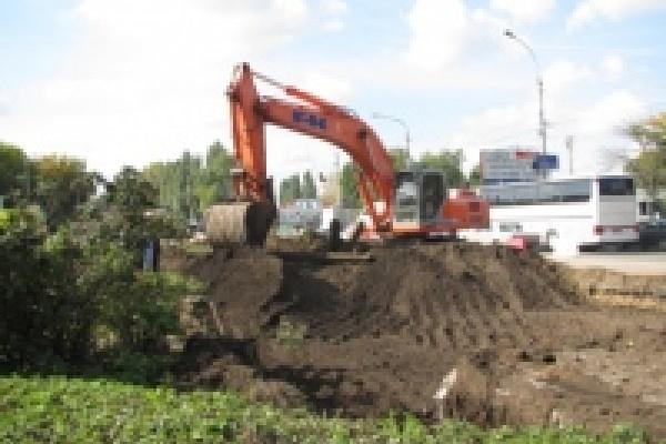 На кольце Трубного завода демонтировали трамвайные рельсы