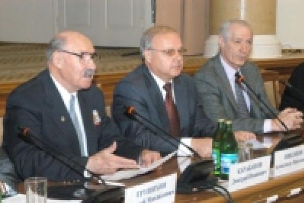 Василий Мурузов: На социальную поддержку пожилых людей в этом году в Липецкой области направят 3,5 млрд. рублей